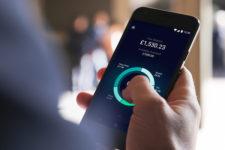 Популярный мобильный банк позволит подросткам открывать счета