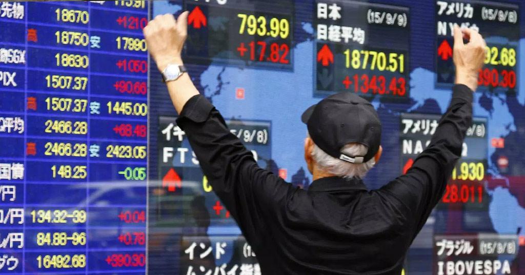 Японский фондовый рынок стал вторым по величине в мире