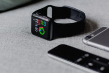Apple Watch сможет принимать платежи в биткоинах