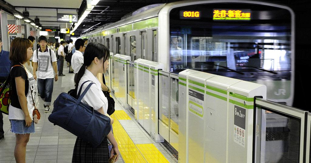 роботы в метро