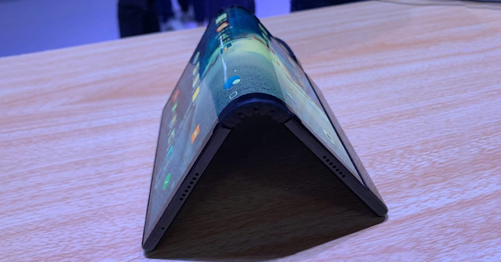 сгибающийся планшет