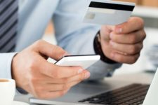 Тысячи банковских клиентов не смогут совершать онлайн-платежи из-за борьбы с мошенничеством