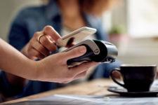 Еще один украинский банк подключился к Apple Pay