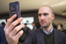 Найден новый метод обмануть систему распознавания лиц в смартфонах