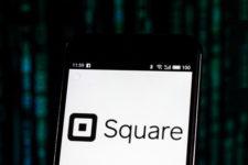 Square выпустит дебетовую карту для предпринимателей