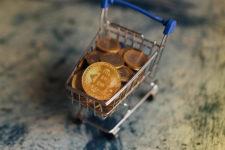 Итальянский супермаркет начал принимать к оплате биткоины