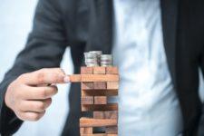 Названы ключевые угрозы росту мировой экономики