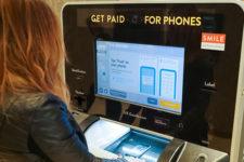 В Британии установили автоматы для утилизации смартфонов