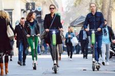 Во Франции введут налоги для популярных сервисов аренды транспорта
