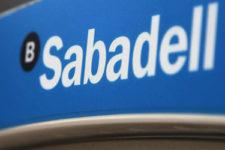 Чип под кожей: испанский банк тестирует новый способ оплаты