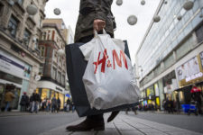 Популярный бренд одежды будет продавать секонд-хенд