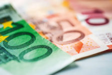 Украина привлечет 300 млн евро займа от ЕИБ: на что пойдут деньги
