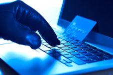 В Украине поймали мошенника, изготовлявшего поддельные банковские карты