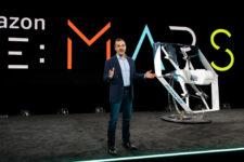Amazon начнет доставлять товары дронами в ближайшие месяцы