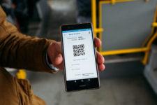 Оплата со смартфона: украинцы все чаще используют QR-билеты