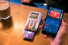 Клиенты Curve смогут добавить мультикарту в Apple Pay