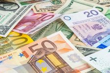 Надежные инвестиции: в какие валюты вкладывают деньги и почему