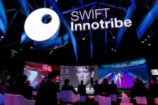 SWIFT готовит к запуску облачные решения