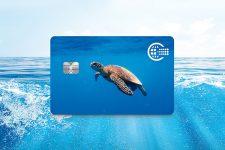 Пластик из океана использовали для производства банковских карт