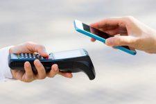 Каждая пятая покупка: крупнейший банк Украины обнародовал статистику по бесконтактным платежам
