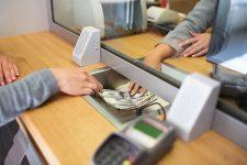Украинцы чаще всего отправляют деньги в Россию – статистика
