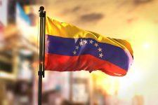 Венесуэла хочет обойти санкции при помощи криптовалюты