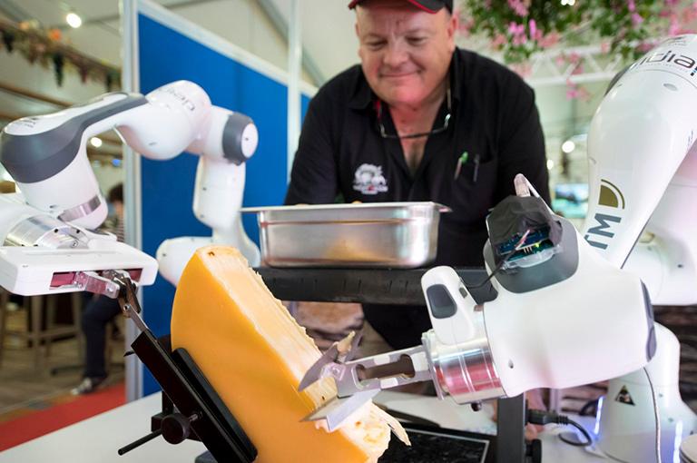 робот для соскребания сыра