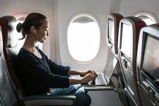 От посадки до высадки: украинцы смогут пользоваться интернетом во время перелетов