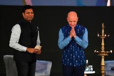 Amazon поможет индийскому бизнесу: компания выделит $1 млрд
