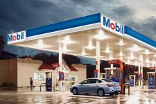Водители в США смогут оплачивать топливо с помощью голосового помощника