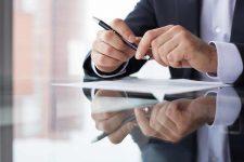 Новый закон о финмониторинге: за что банки будут замораживать счета