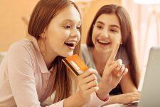 Европейский необанк начал обслуживать подростков
