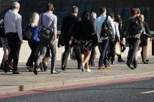 Mastercard работает над технологией идентификации пользователей по походке