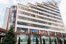 Крупнейший банк Украины потерял одного из топ-менеджеров: причина – карантинная зарплата