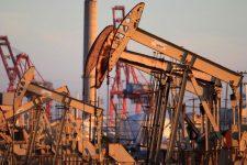 Разрыв Россией сделки ОПЕК+ спровоцировал обвал акций и цен на нефть: что происходит