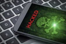 Ученые рассказали о новой технологии взлома смартфона: кто уязвим больше всего