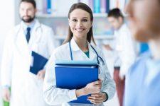 ПУМБ оплатил страхование от коронавируса для полутора тысяч врачей
