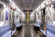 В Нью-Йорке начали использовать новый метод дезинфекции транспорта – фото