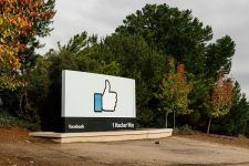 Бойкот Facebook: Цукерберг потерял миллиарды на фоне скандала