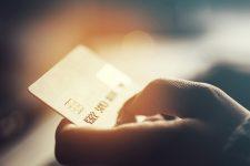 Кредиты на чужие документы: на украинцев «повесили» займы на почти полмиллиона гривен