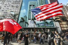 США приравняли Гонконг к Китаю: чем это грозит местному бизнесу