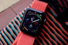 Названа дата старта продаж новых Apple Watch в Украине