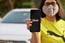 Uber будет проверять наличие масок у пассажиров с помощью селфи