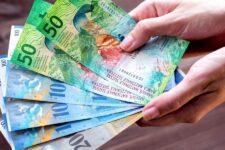 Взрослым и детям: в одной из стран ЕС предложили выплатить по 7 тыс евро каждому жителю