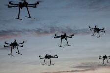 Банкиры Goldman Sachs используют дроны для заключения сделок на миллиарды долларов
