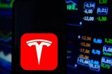 Tesla, Facebook, Netflix: НКЦБФР допустила к обращению в Украине акции крупных компаний