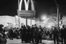 McDonald's следит за сотрудниками, требующими повышения зарплаты — Vice