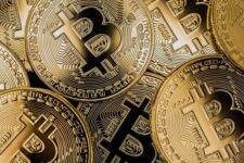 Биткоин станет полноценным аналогом золота — мнение инвестбанкира с Уолл-стрит