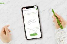 А-Банк первым в Украине реализовал подписание анкеты в смартфоне клиента