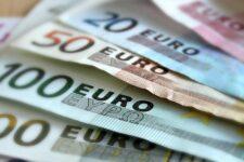 Еврокомиссия планирует запретить наличные расчеты на сумму более 10 000 евро